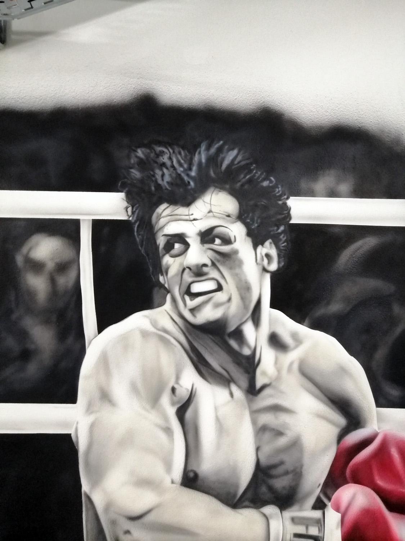 ζωγραφική σε γυμναστήριο